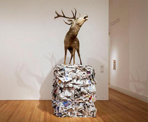 "Gloria Friedmann | ""L'envoyé special"", 1995 | ca. 370x200x100 cm | Sammlung der Kuenstlerin © Gloria Friedmann | Courtesy Stiftung für Kunst und Kultur e.V."