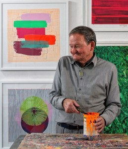 Hans-Peter Haas bei der Arbeit in seinem Atelier. Foto: Jürgen Burkhardt